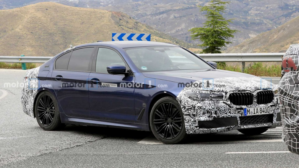 2021 BMW 5 Series Drivetrain