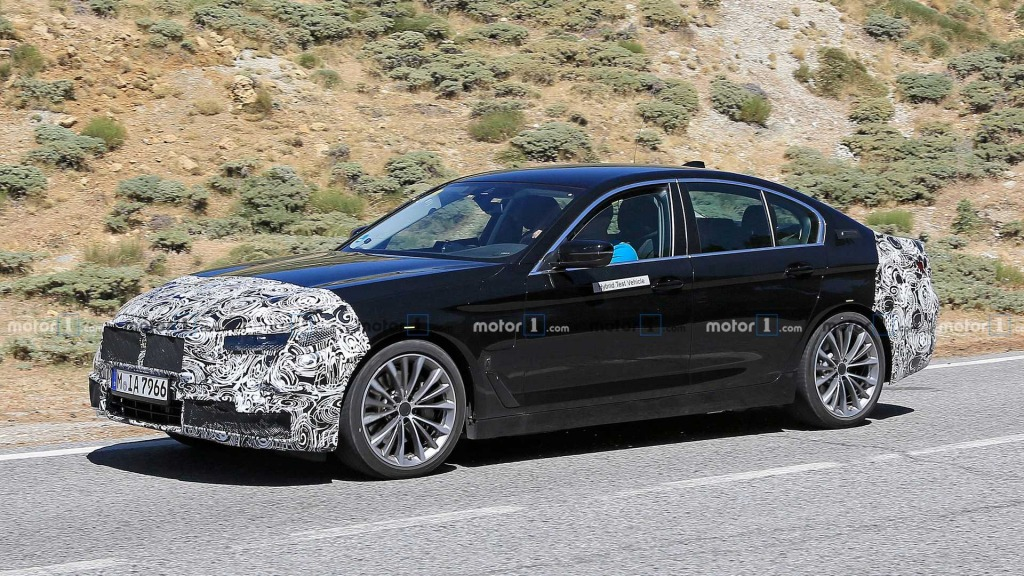 2021 BMW 5 Series Pictures