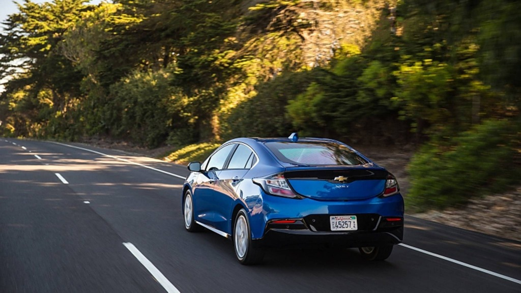 2021 Chevy Volt Wallpapers