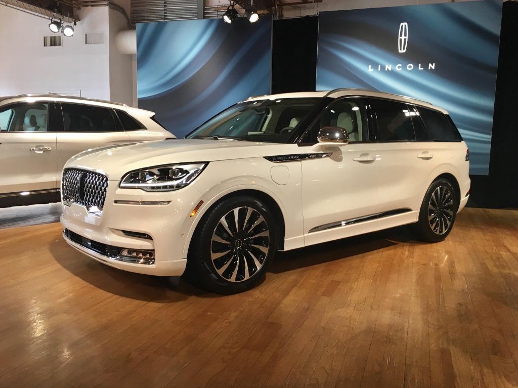2021 Lincoln MKZ Hybrid Interior