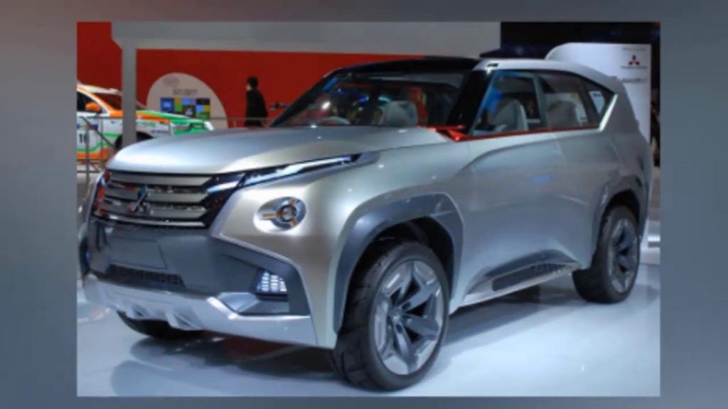 2021 Mitsubishi Montero Images