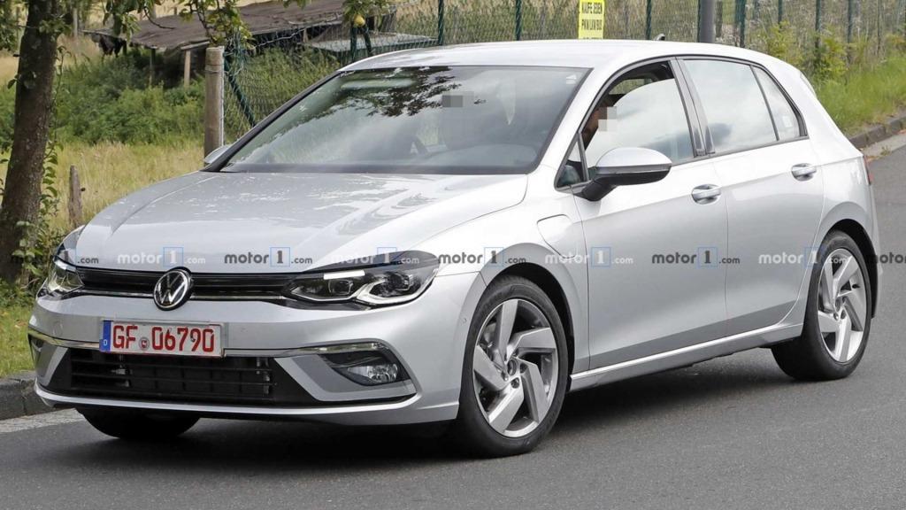 2021 Volkswagen Golf R Spy Shots