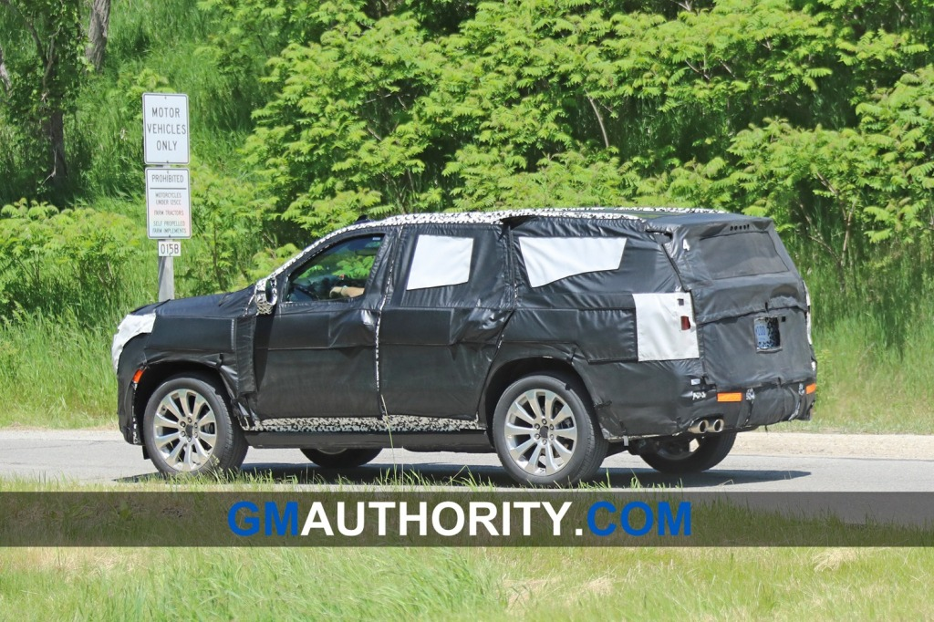 2021 Chevy Suburban Images