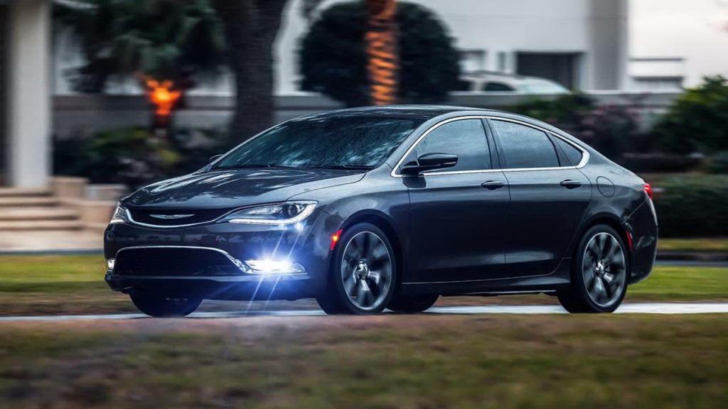 2021 Chrysler 100 Spy Shots
