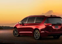 2021 Chrysler Town Pictures