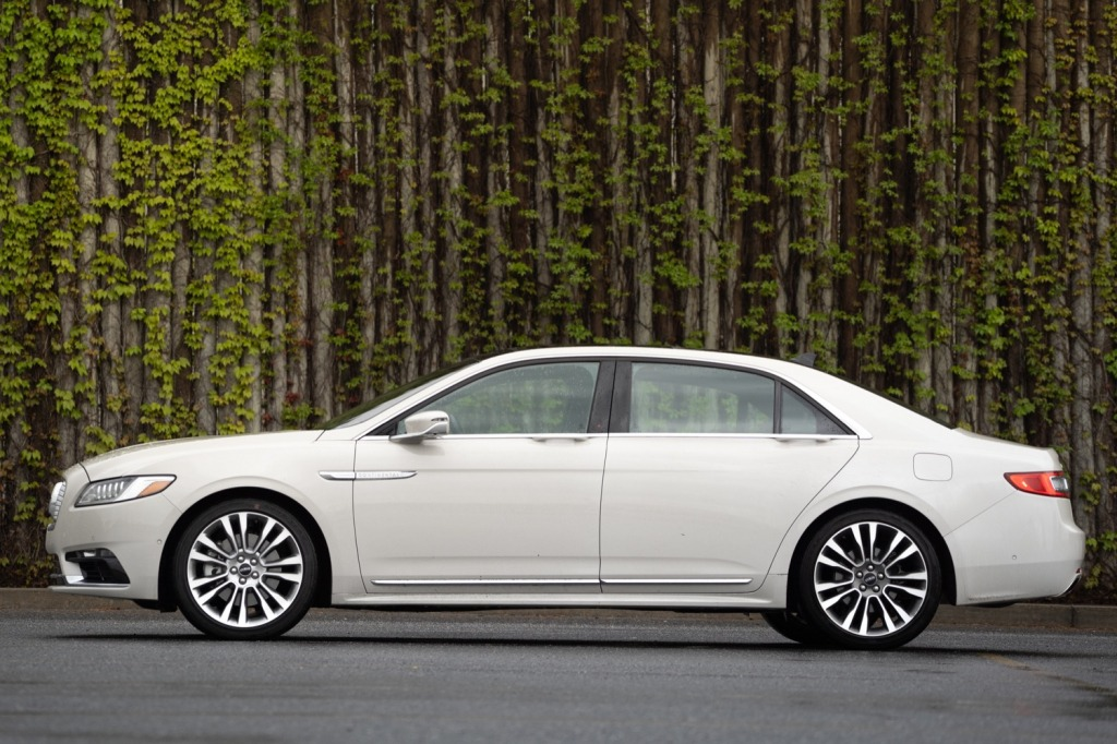 2021 Lincoln Continental Wallpapers