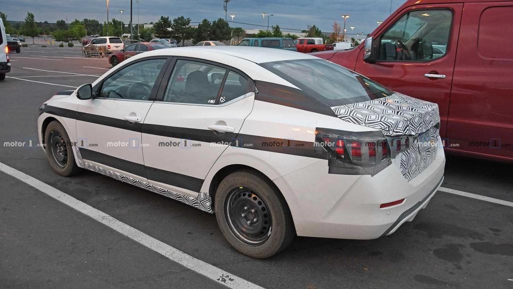 2021 Nissan Maxima Wallpaper