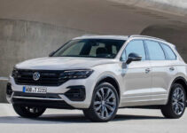 2021 Volkswagen Touareg Interior