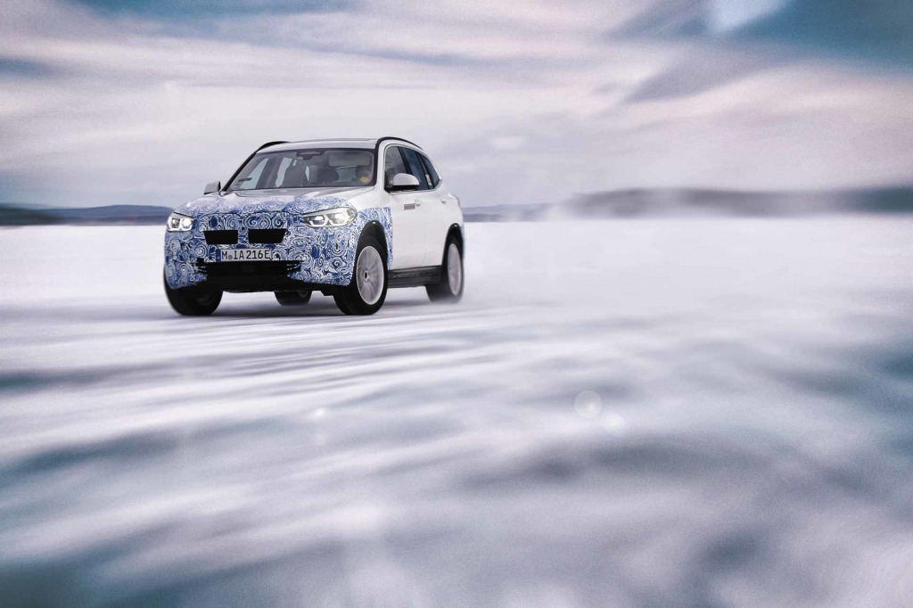 2021 BMW X3 Hybrid Pictures