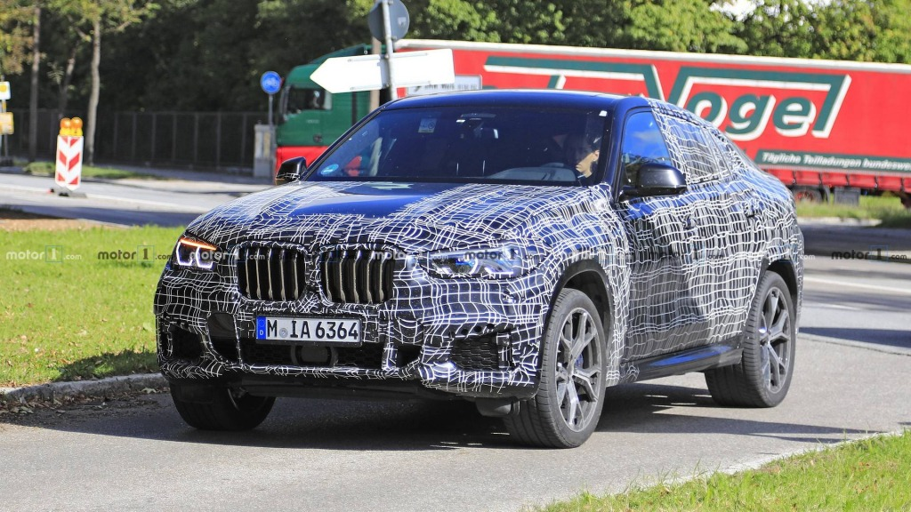 2021 BMW X6 Spy Photos