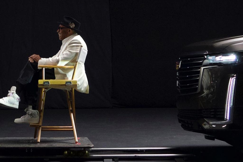 2021 Cadillac SRX Images