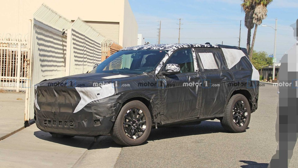 2021 Jeep Grand Wagoneer Drivetrain