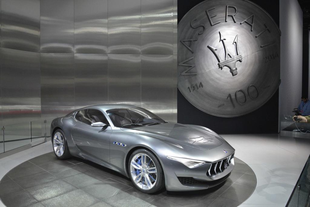 2021 Maserati Quattroportes Images