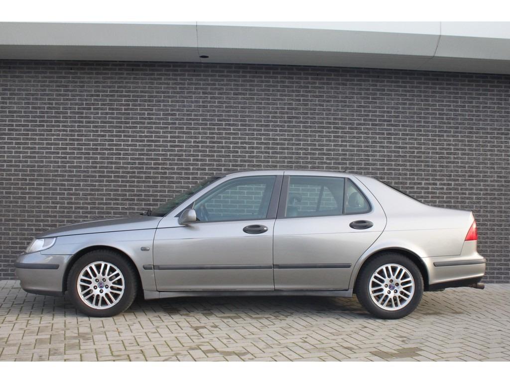 2021 Saab 95 Wallpaper
