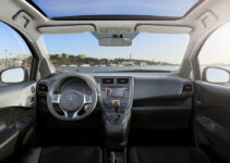 2021 Toyota Verso Pictures