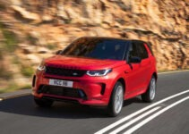 2021 Land Rover LR4 Wallpaper